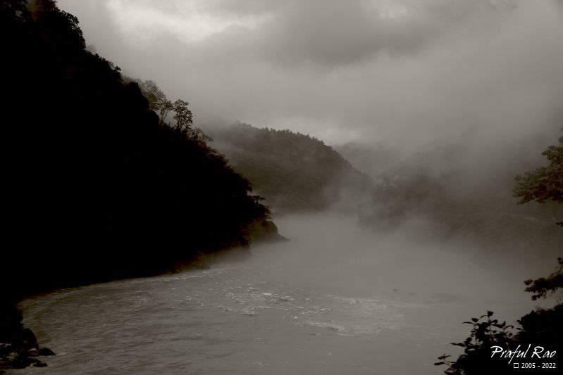 Teesta river in sepia 3