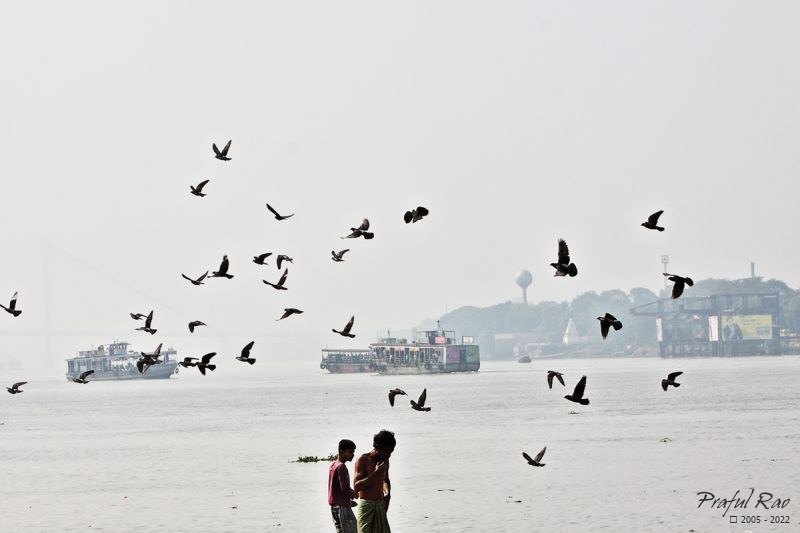 Barges and people, Hooghly 2012